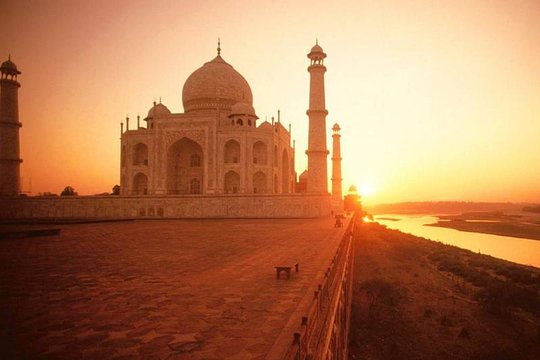 2 Days Agra tour with Taj Mahal Sunrise from Delhi by Car – with Hotels
