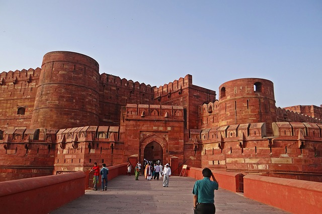 Private Day Tour of Taj Mahal and Agra Fort From Delhi By Car – All Inclusive
